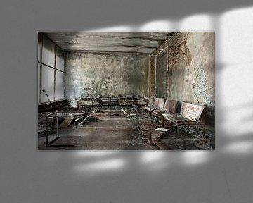 Ziekenhuis wachtkamer in Pripyat von Tim Vlielander