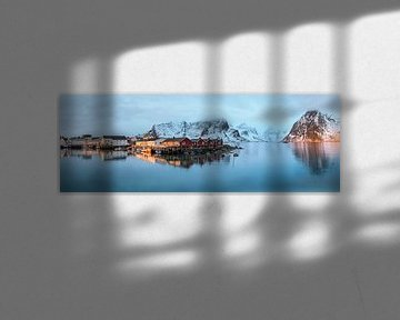 Hamnoy, een Noors vissersdorpje in de ochtend van jowan iven