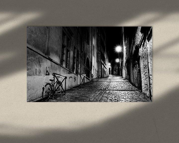 Sfeerimpressie: Steegje bij nacht van Steven Groothuismink