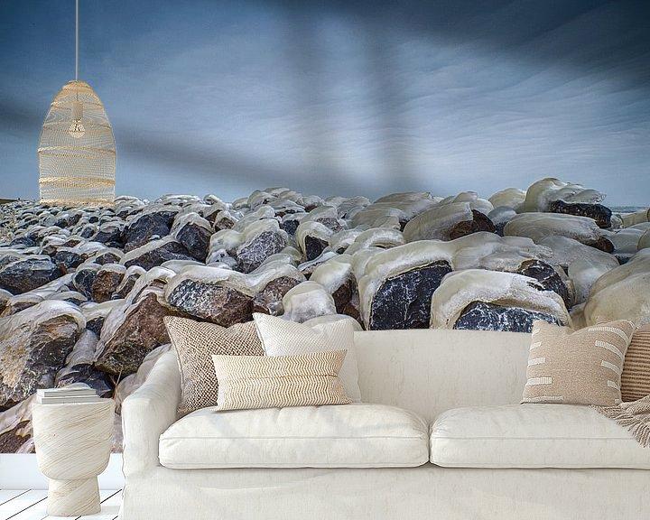 Sfeerimpressie behang: winter aan de dijk van Robin Smit
