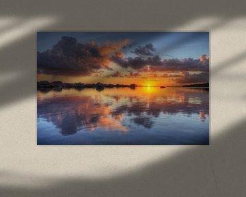 Kleurrijke opkomst van de zon van Klaas Heiligenberg