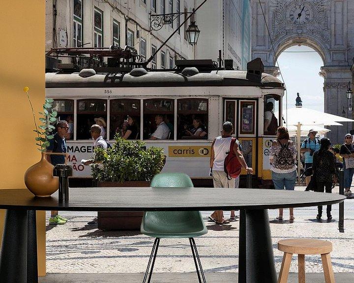 Sfeerimpressie behang: Lissabon  van Gertjan koster