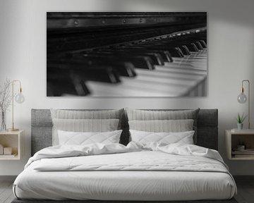 Toetsenbord van een piano in het Zwart en wit von Michel Knikker