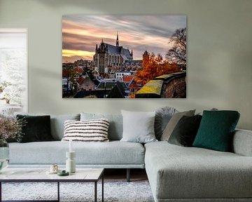 Hooglandse Kerk in Leiden in de herfst van Eric van den Bandt