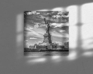 NEW YORK CITY Freiheitsstatue | Monochrom sur Melanie Viola