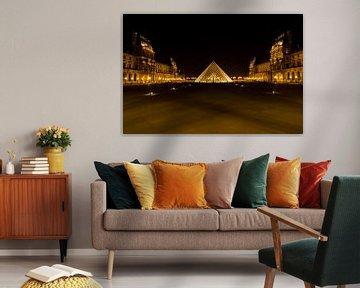 Museum Louvre bij avond - Parijs - 2 von Damien Franscoise