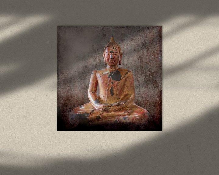 Sfeerimpressie: Houten Boeddhabeeld, Cambodja van Rietje Bulthuis