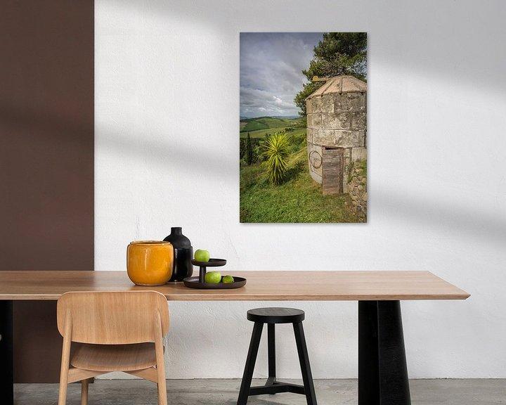Sfeerimpressie: Waterput bij Boerderij in Toscane II van Anneke Hooijer