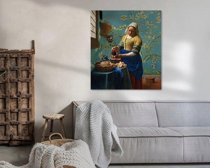 Sfeerimpressie: Het melkmeisje met Amandelbloesem behang - Vincent van Gogh - Johannes Vermeer van Lia Morcus