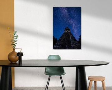 Tikal Jaguar Tempel sterrenhemel van Kim van Dijk
