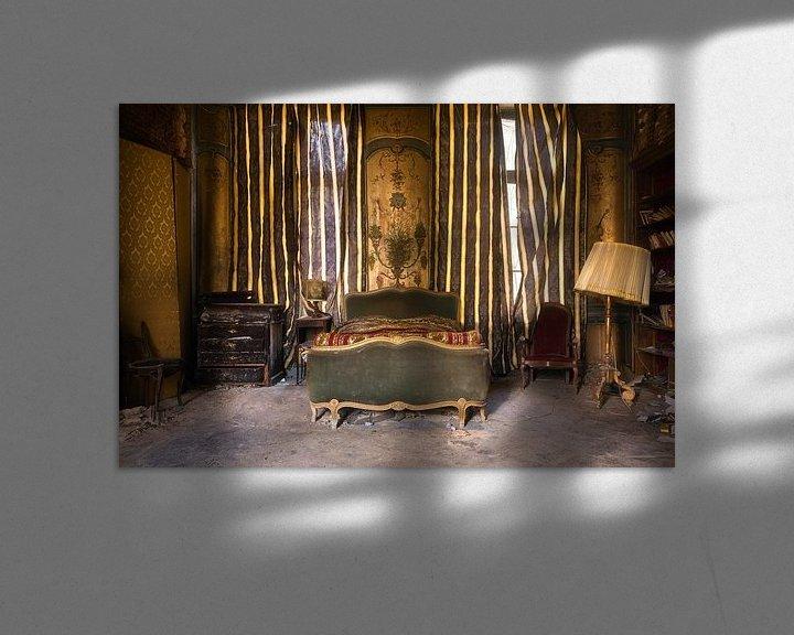 Sfeerimpressie: Verlaten Slaapkamer. van Roman Robroek
