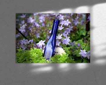 Blue Bottle von FABIAN Art Gallery