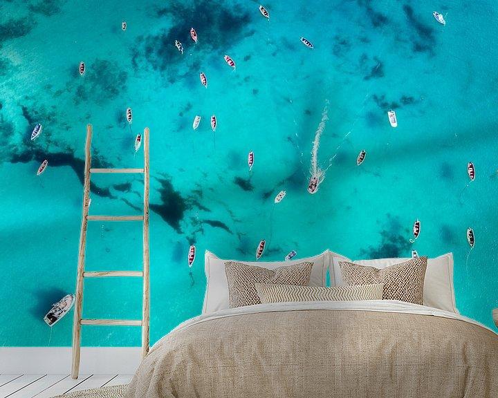 Sfeerimpressie behang: Clear ocean with boats van Martijn Kort