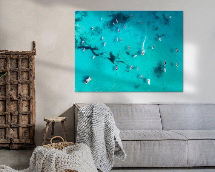 Sfeerimpressie: Clear ocean with boats van Martijn Kort