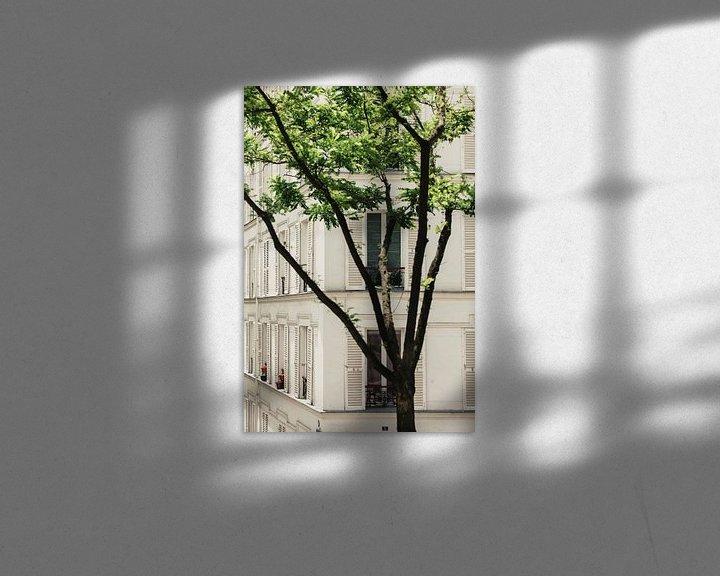 Sfeerimpressie: witte luiken in Parijs van Huib Vintges