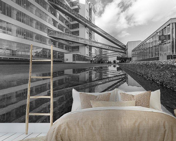 Sfeerimpressie behang: Van Nelle Fabriek in Rotterdam gespiegeld van MS Fotografie | Marc van der Stelt