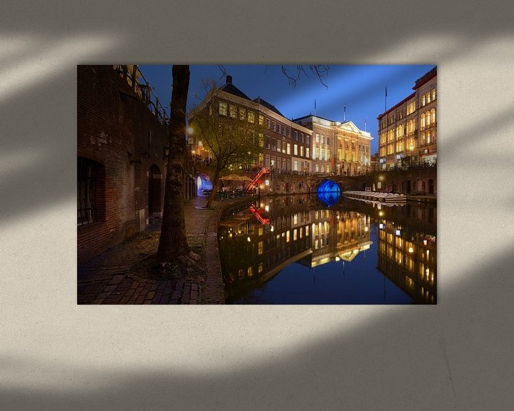 Sfeerimpressie: Oudegracht in Utrecht tussen Bezembrug en Stadhuisbrug van Donker Utrecht