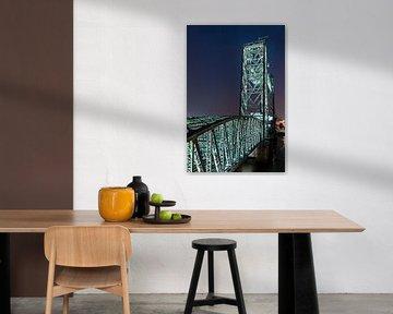 The hef 'light in the darkness' colour version vertical von Midi010 Fotografie