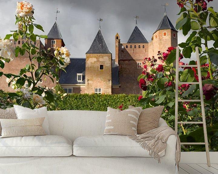 Sfeerimpressie behang: Zicht op Slot Assumburg vanuit de rozentuin van Paul Beentjes