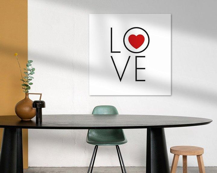 Beispiel: Leinwand mit Text 'Love' und rotem Herzen von Mike Maes