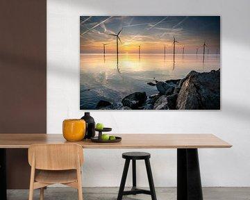 Sonnenaufgang über einem spiegelnden See von Fotografiecor .nl