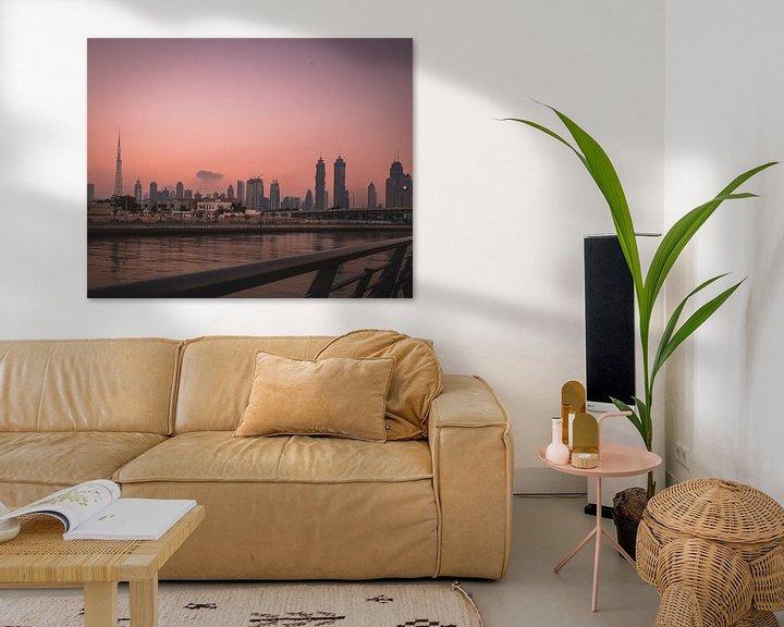 Sfeerimpressie: Zonsondergang Dubai van michael regeer