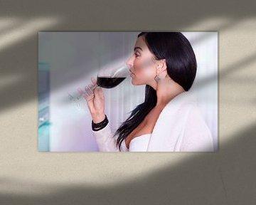 Sexy vrouw met een glas rode wijn van Tilo Grellmann | Photography