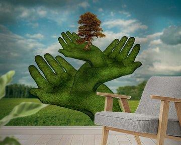 The protective hands (1) van Ursula Di Chito