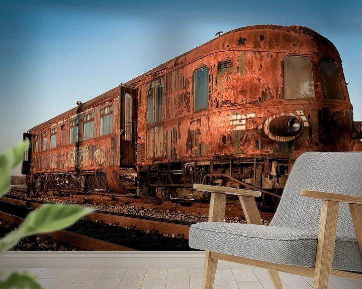 Sfeerimpressie behang: Verlaten trein voertuig van Shadia Bellafkih