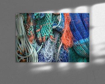 Visnetten / colorful fishing nets von Elles Rijsdijk