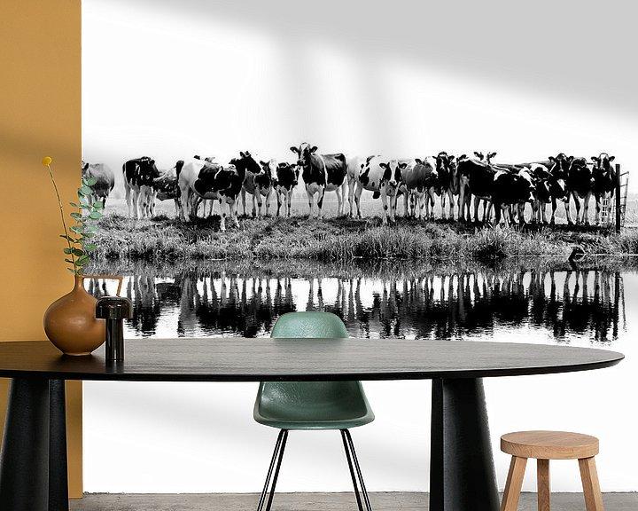 Beispiel fototapete: Kühe in einer Reihe (schwarz/weiß) von Annemieke van der Wiel