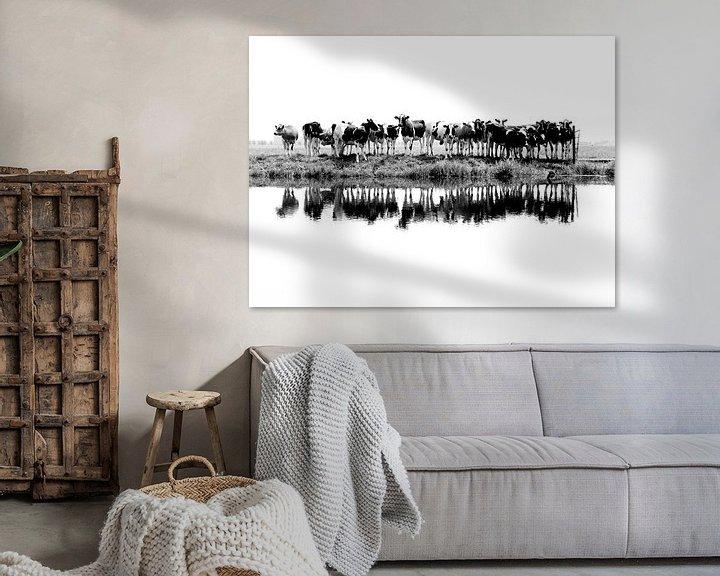 Beispiel: Kühe in einer Reihe (schwarz/weiß) von Annemieke van der Wiel