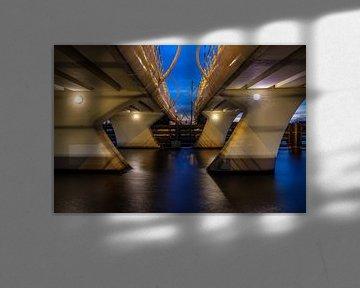 Onder de Julianabrug in Zaandijk von Joke Beers-Blom