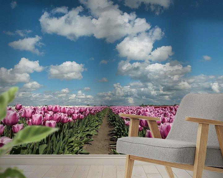 Sfeerimpressie behang: Blooming Tulips! van Robert Kok