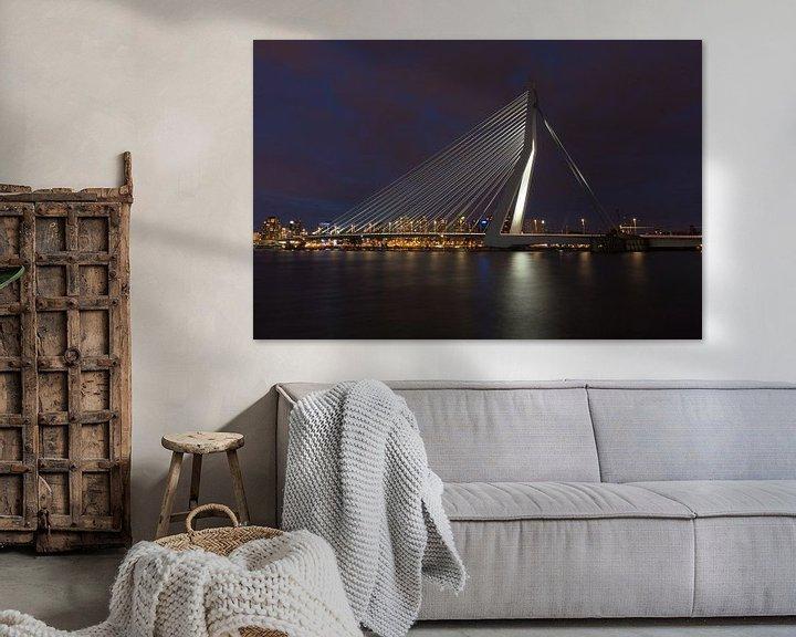 Sfeerimpressie: Rotterdam Erasmusbrug bij nacht van Perry van Herpen