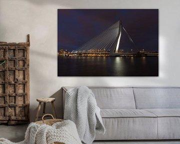 Rotterdam Erasmusbrug bij nacht van Perry van Herpen