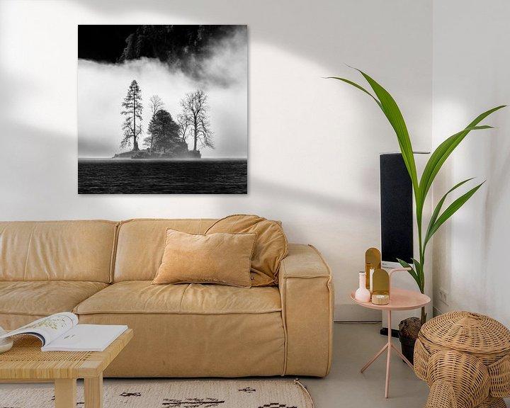 Sfeerimpressie: Eiland in mist in de Königssee van Martin Podt
