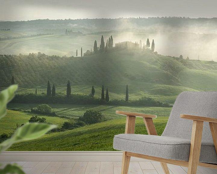 Sfeerimpressie behang: Toscaanse ochtend 2 van Edwin Mooijaart