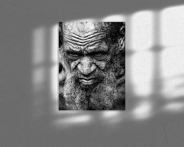 Characteristic villager in the Napua hills van Global Heartbeats