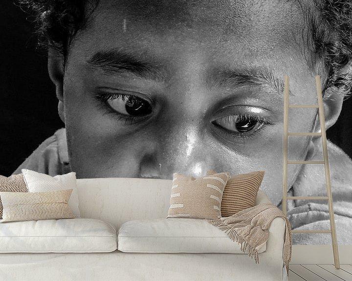 Sfeerimpressie behang: Watching carefully how it's done van Global Heartbeats