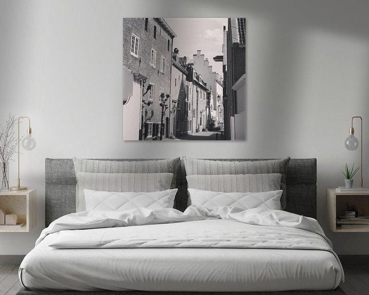 Sfeerimpressie: Black and white photo of the wall houses, historical Amersfoort, Netherlands van Daniel Chambers