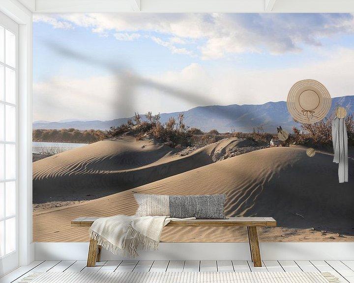 Sfeerimpressie behang: strand heuvel van marijke servaes
