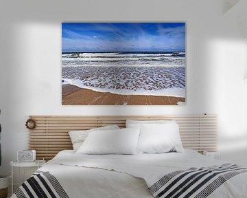 Golven op het strand in Zeeland van Judith Cool