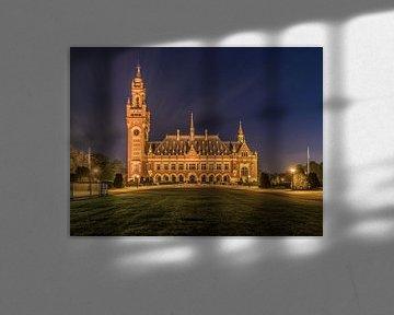 Friedenspalast in der Nacht von Patrick Löbler