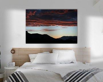 Uitzicht met roze wolkenlucht van Anouk Davidse