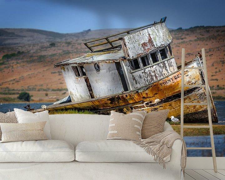 Sfeerimpressie behang: Oud scheepswrak op het droge in Point Reyes van Jan van Dasler
