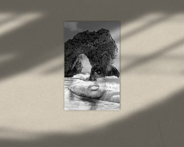 against the sea. Double exposure portrait von Dreamy Faces