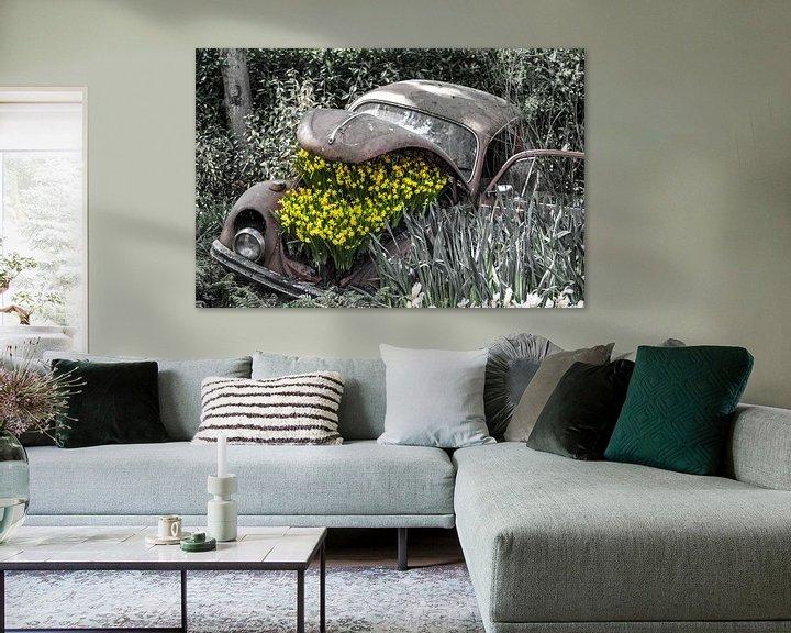 Sfeerimpressie: Oude Kever met bloemen van Lindi Hartman