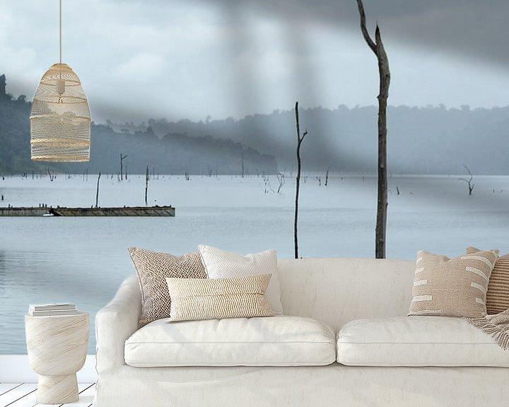 Sfeerimpressie behang: Brokopondo stuwmeer van Ton de Koning