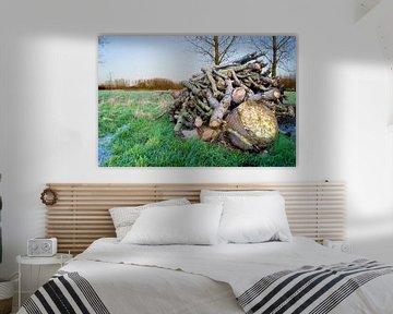 een houtstapel van Laura den Otter